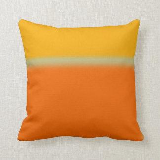 Amarillo abstracto y naranja almohadas