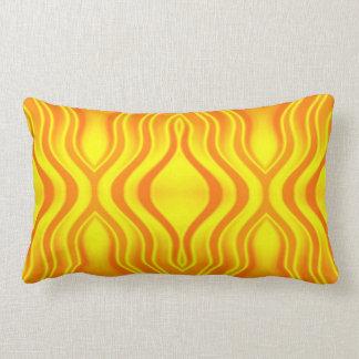 Amarillo anaranjado de las olas de calor cojín
