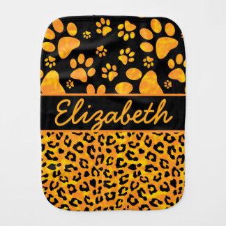 Amarillo anaranjado del estampado leopardo y de paños de bebé
