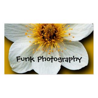Amarillo Bkgrd de la flor blanca Plantillas De Tarjetas Personales
