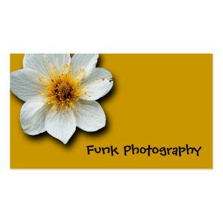 Amarillo Bkgrd de la flor blanca Tarjeta De Visita