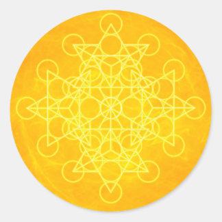 Amarillo brillante de la geometría sagrada de la pegatina redonda