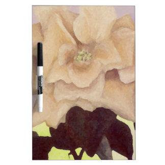 Amarillo claro romántico color de rosa pintado tableros blancos