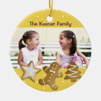 Amarillo de la foto de las galletas de azúcar del adorno navideño redondo de cerámica