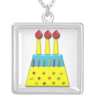 Amarillo de la torta de cumpleaños del arco iris d colgante cuadrado