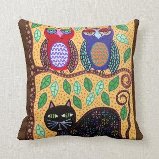 Amarillo de los búhos del gato negro del arte de cojín decorativo