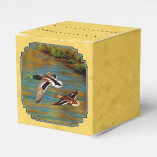 Amarillo de los patos salvajes que vuela cajas para regalos de fiestas