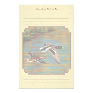 Amarillo de los patos salvajes que vuela  papeleria de diseño