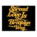 Amarillo del amor de Brooklyn Tarjetas Postales