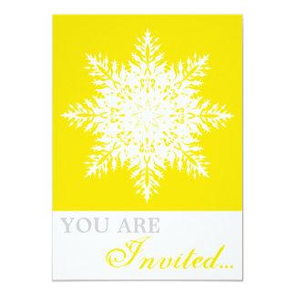 Amarillo del copo de nieve, invitación blanca del