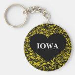Amarillo del corazón de Iowa Llavero Redondo Tipo Pin