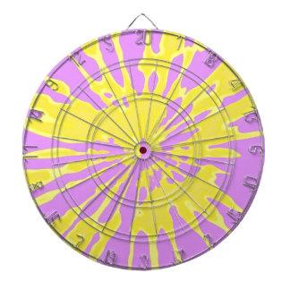 Amarillo del modelo del chapoteo y diseño abstract tabla dardos