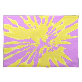 Amarillo del modelo del chapoteo y diseño abstract mantel