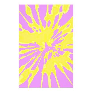 Amarillo del modelo del chapoteo y diseño abstract papeleria de diseño