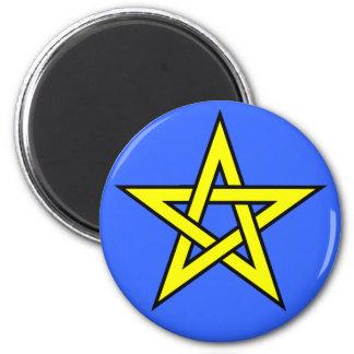 Amarillo del Pentagram en azul Imanes De Nevera