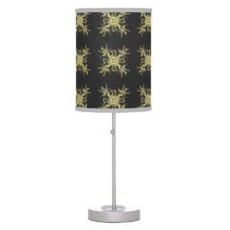 Amarillo en el damasco floral del gris de acero lámpara de escritorio