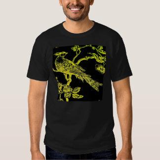 Amarillo en la camiseta bosquejada negra del remeras