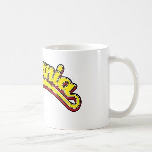 Amarillo en rojo taza