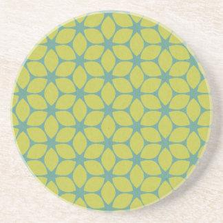 Amarillo/flor geométrica del trullo posavasos diseño