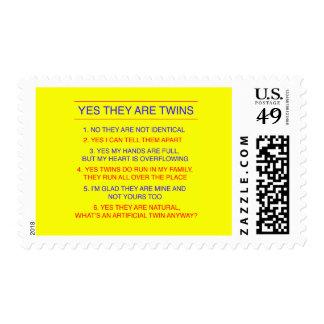 Amarillo fraternal de las preguntas de los gemelos sello postal