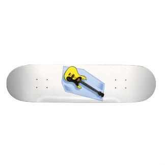 Amarillo gráfico bajo eléctrico con la parte poste tabla de skate