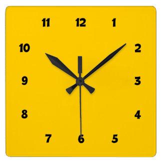 Amarillo limpio básico simple con números reloj cuadrado