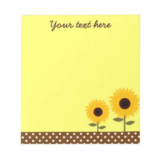 Amarillo lindo de los girasoles y libreta del punt bloc de papel