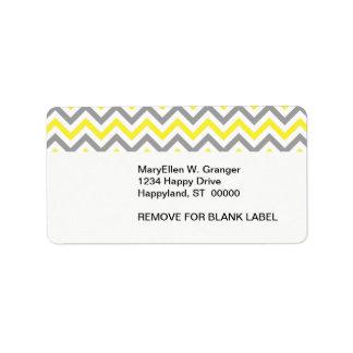 Amarillo, modelo de zigzag grande blanco gris de etiqueta de dirección
