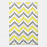 Amarillo, modelo de zigzag grande blanco gris de toalla de mano
