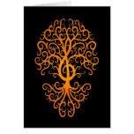 Amarillo musical del árbol del Clef agudo en negro Tarjeta