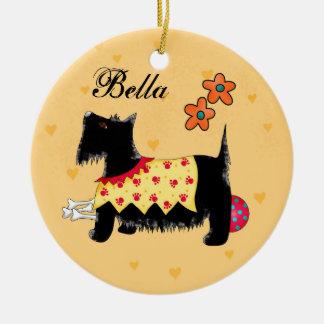 Amarillo personalizado nombre negro del perro de adorno navideño redondo de cerámica