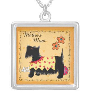Amarillo personalizado nombre negro del perro de colgante cuadrado