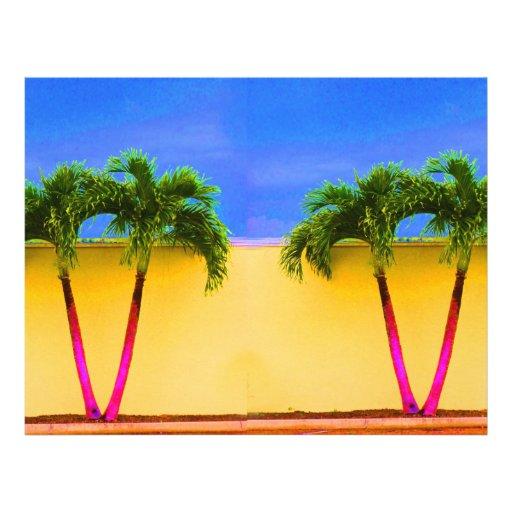 Amarillo retro del cielo de dos árboles de la palm tarjetones