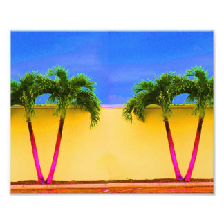 Amarillo retro del cielo de dos árboles de la palm fotografías
