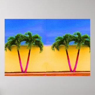 Amarillo retro del cielo de dos árboles de la palm póster