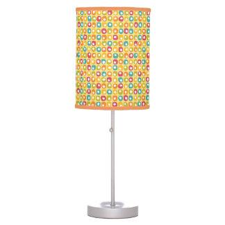 Amarillo rojo cuadrado retro brillante del trullo  lámpara de mesa