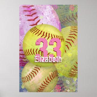 Amarillo rosado sucio del softball de las mujeres póster