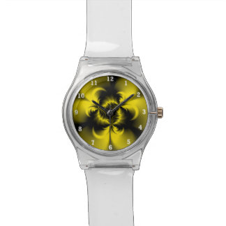 Amarillo torcido reloj de mano