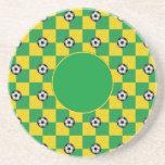 Amarillo verde a cuadros con los balones de fútbol posavasos manualidades
