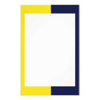 Amarillo y efectos de escritorio de la marina de g  papeleria de diseño