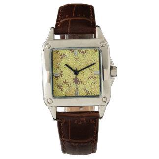 Amarillo y margaritas del oro en marrón reloj de mano