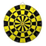 Amarillo y negro tabla dardos