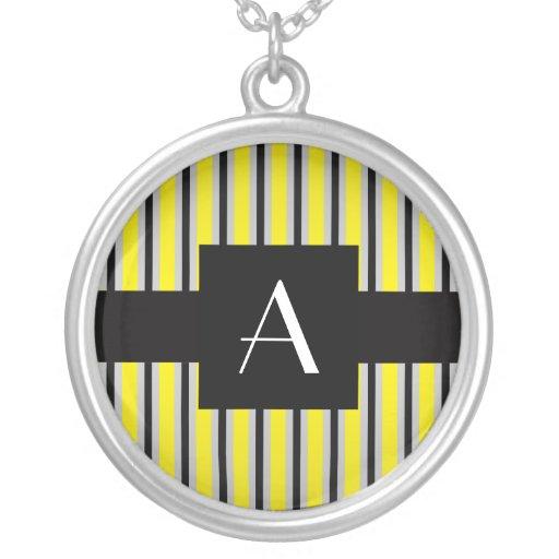 Amarillo y rayas negras del monograma joyerías