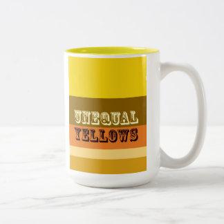 """""""Amarillos desiguales """" Taza De Café De Dos Colores"""