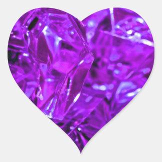 Amatista cristalina de la piedra preciosa púrpura pegatina en forma de corazón