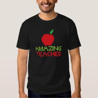 AMAZING TEACHER with digital apple T-shirt