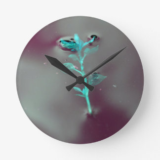 AMAZING VINTAGE PHOTO GREEN PLANT IN WATER ROUND CLOCK