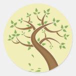 Ambiente de la naturaleza de los árboles de la pegatina redonda