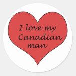 Ame a mi hombre canadiense pegatinas redondas