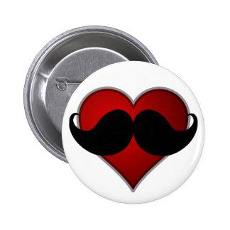 AME el bigote del corazón w/Mustache de STACHE Pin Redondo De 2 Pulgadas